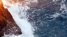 iPhone iPad Android wallpapers Desktop wallpaper every hour! Macbook Air Wallpaper, Ocean Wallpaper, Mac Wallpaper, Computer Wallpaper, Wallpaper Backgrounds, Desktop Wallpapers, Macbook Hacks, Macbook Pro, Flare