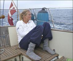 Boating – Enjoy the Great Outdoors! Sailing Catamaran, Sailing Boat, Sailboat Interior, Power Boats For Sale, Sailboat Living, Sailing Holidays, Boat Safety, Boat Stuff, Boat Rental