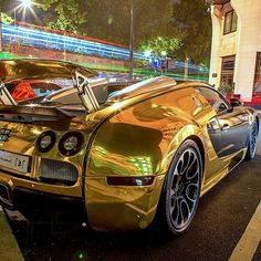 Golden Bugatti Veyron  Carbon Fiber SALE-> shop.madwhips.com  Follow @Haute_Lifestyle  Freshly Uploaded To www.MadWhips.com  Photo by @viralhighstreet