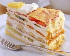 HARBS's Mille Crepe cake in Chelsea. Looks awesome! Crepe Cake, Mille Crepe, Japanese Food, Cake Cookies, Crepes, Vanilla Cake, Food And Drink, Tasty, Sweets