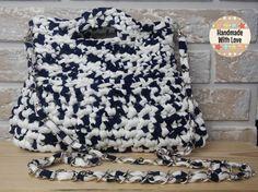 Bolso con cadena crochet jaspeado hecho a mano. por NagoreGaramendi