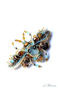 Bug brooch. Bead embroidery nature insect от PurePearlBoutique