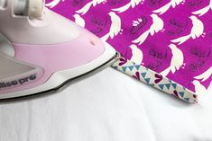 Sew Lay Flat Shoe Storage Bags - great for travel, organization, and more! Large Storage Bags, Shoe Storage Bags, Tote Storage, Sewing Patterns Free, Free Sewing, Sewing Tutorials, Sewing Projects, Zipper Face, Shoe Bags For Travel