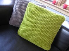Beautiful Seed Stitch pillows, easy knit w great texture!