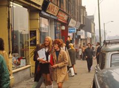 Leeds, a city in West Yorkshire, England, was one of the leading centers of industry in Victorian England. A glimpse into Leeds is captured on these nostalgic images Abc Cinema, 1970s Looks, Leeds University, Whitby Abbey, Leeds City, Nostalgic Images, Yorkshire England, West Yorkshire, Royal Park
