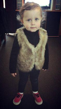 I love her fur coat (: