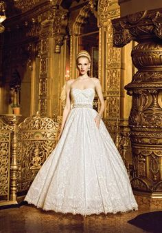If I go for the Victorian wedding, this dress is perff.