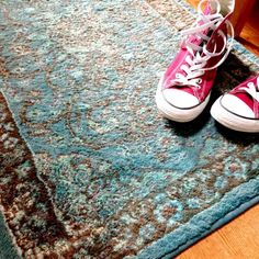 Overdyed rugs are so fun, but they can be expensive! Make your own with Rit dye and breathe new life into an area rug. Visit House One for the DIY tutorial. Carpet Diy, Dye Carpet, Inexpensive Rugs, Using A Paint Sprayer, Paint Run, Rit Dye, Green Furniture, Natural Fiber Rugs, Hand Molding