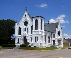 Mary's Catholic Church in Palestine, Texas Palestine Texas, Saint Mary Catholic, Wedding Venues Texas, Home On The Range, Church Design, Old Churches, Church Architecture, Place Of Worship, Kirchen