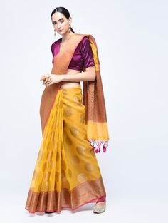 Saree Look, Tie Dye Skirt, Sari, Skirts, Fashion, Saree, Moda, Fashion Styles, Skirt