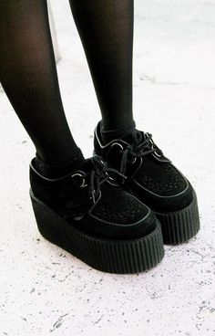 Creepers shoes-lovely shoes for all occasions Creepers shoes creepers shoes. i still know how i feel about LVPUZSB :separator:Creepers shoes-lovely shoes for all occasions Grunge Outfits, Grunge Shoes, Grunge Fashion, Gothic Fashion, Look Fashion, Fashion Shoes, Pastel Goth Shoes, Street Fashion, Grunge Clothes