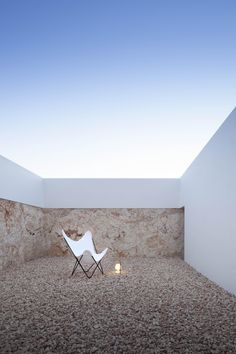 Rectangular Garden Design Between Architecture And Sculpture: House in Formentera Design Exterior, Patio Design, Interior And Exterior, Garden Design, House Design, Contemporary Interior Design, Home Interior Design, Interior Decorating, Minimalist Architecture
