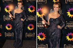 Mariana Fabbiani lució otro cambio a lo largo de la transmisión de los premios y, en este caso, eligió un vestido negro, de un solo hombro, bordado con transparencias en la falda. Foto: Virtual Press