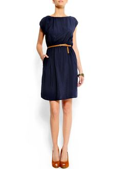 A simple navy dress for day or night. Perfect for the welcome banquet!