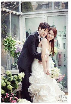 SBS Heroes tung ảnh cưới lãng mạn