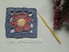 YouTube Crochet Stitches, Crochet Hats, Granny Square Tutorial, Knitting Videos, Crochet Flowers, Crochet Necklace, Blanket, Pillows, Crocheting