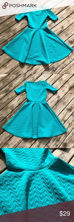 LuLaRoe Nicole Quilted Boomerang Dress Excellent preloved condition. Unique Quilted pattern. LuLaRoe Dresses
