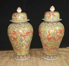 - Gorgeous pair of large Chinese Ming style porcelain vases<br /> …