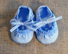 Daisy Baby Shoes  PDF Pattern  Newborn to 18 by littleshoespattern