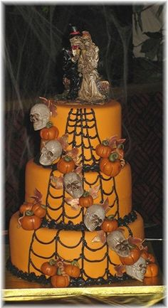 Halloween Wedding Cake By sherrycanary62 on CakeCentral.com