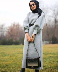 - Tesettür Tunik Modelleri 2020 - Tesettür Modelleri ve Modası 2019 ve 2020 Hijab Style Dress, Modest Fashion Hijab, Modern Hijab Fashion, Muslim Women Fashion, Hijab Chic, Abaya Fashion, Hijab Outfit, Fashion Outfits, Womens Fashion