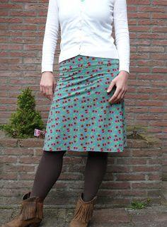 Vrolijk kersen rokje patroon 'Allemaal rokjes' by moredresses4me.blogspot.nl