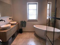 Bathroom Vanity Units, Bathroom Toilets, Master Bathroom, Bathroom Styling, Little Houses, Bathroom Renovations, Bathroom Inspiration, Bathroom Interior, Home Interior Design