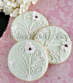 Ali Bee's Bake Shop: Beautiful Bridal Shower would be pretty with lily of the valley flowers Fancy Cookies, Iced Cookies, How To Make Cookies, Cupcake Cookies, Sugar Cookies, Elegant Cookies, Frosted Cookies, Heart Cookies, Wedding Cake Cookies