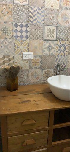 Decoration, Vanity, Bathroom, Apartment Bathroom Design, Photography Poses, Flats, Decor, Dressing Tables, Washroom