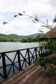 GHANA : THE VOLTA REGION... This place is gorgeous!!!