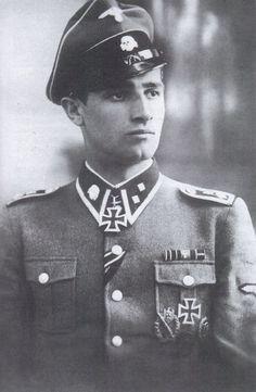"""SS-Unterscharführer August Zingel (seen here as an SS-Oberscharführer) won the Knight's Cross on 4.10.1942 as Stosstruppführer within SS-Kampfgruppe """"Krauth"""" (15. Kompanie/SS-""""Totenkopf"""" Infanterie Regt. I). He ended the war as an Untersturmführer of Div. 05 and commander of Divisions-Sturmkompanie."""