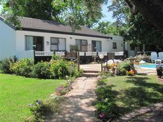 40 Winks Accommodation - 40 Winks Accommodation is situated in the beautiful town of Somerset West, away from the hustle and bustle of city life, and is an ideal base from which to explore the Western Cape and enjoy the many attractions ... #weekendgetaways #somersetwest #winelands #southafrica