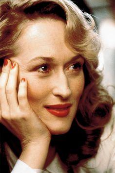 """""""Há coisas improváveis suspensas no espaço...como a Terra"""". Meryl Streep"""