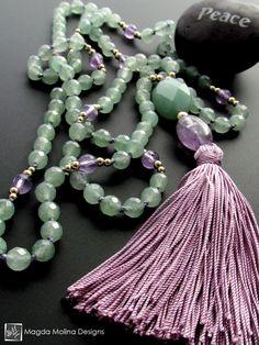 Belle couleur Light Green Aventurine and Amethyst Tassel Jewelry, Gemstone Jewelry, Beaded Jewelry, Beaded Necklaces, Jewellery, Diy Necklace, Tassel Necklace, Necklace Tutorial, Necklace Ideas