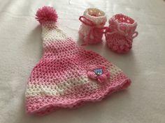 Čiapočka a topanočky Crochet Hats, Beanie, Fashion, Knitting Hats, Moda, Beanies, Fasion, Trendy Fashion, La Mode