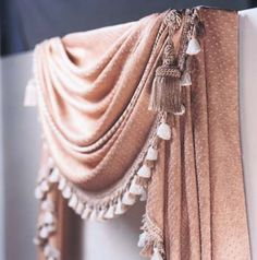 Elegant swag makes any room seem a bit more, well, elegant. Make your own window treatments with this free sewing pattern. Swag Curtains, No Sew Curtains, How To Make Curtains, Rod Pocket Curtains, Sewing Hacks, Sewing Tutorials, Sewing Projects, Sewing Ideas, Sewing Tips