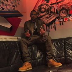 Video After The Jump Lloyd Banks took over BB King's in New York City on Sunday, August During the show he took the time to address his long awaited Co… Lloyd Banks, Not Satisfied, Bb King, Do Or Die, Latest Music, Coming Out, Cold, Fictional Characters, Numbers