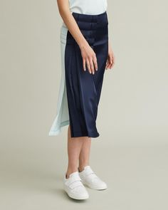 Duo-toned midi skirt with contrasting pleats, side slit and stitched details. Duo Tone, Retail Concepts, Pleated Midi Skirt, Cool Suits, Apothecary, Designing Women, Ballet Skirt, Skirts, Skirt