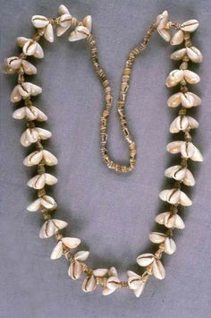 Micronesia ~ Marshall Islands | Shell necklace from the Marshallese people.  Collected between 1940 and 1945