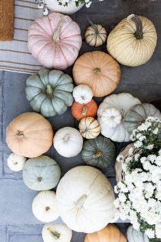 Happy Halloween, Fall Halloween, Michael Myers, Pumpkin Decorating, Porch Decorating, Thanksgiving Decorations, Halloween Decorations, Creepy, Horror