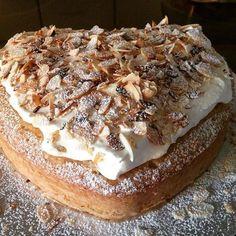 Grandma Cookies, Spice Bread, Almond Paste, Cookie Box, Banana Cream, Fika, Semlor, Good Food, Cheesecake