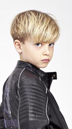 Borys Borys The post Borys appeared first on Frisuren Blond. Borys Borys The post Borys appeared first on Frisuren Blond. Cool Kids Haircuts, Boys Haircut Styles, Kids Hairstyles Boys, Toddler Boy Haircuts, Little Boy Haircuts, Boy Hairstyles, Boy Haircuts Long, Best Hairstyle For Kids, Baby Haircut