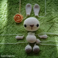 Discover recipes, home ideas, style inspiration and other ideas to try. Amigurumi Doll, Diy And Crafts, Crochet Necklace, Style Inspiration, Embroidery, Dolls, Christmas Ornaments, Knitting, Holiday Decor