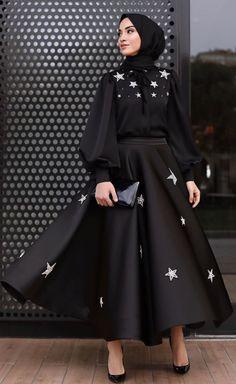 Women clothing Casual Fashion Ideas - - - Women clothing Over 50 Dress Styles Hijab Chic, Modest Fashion Hijab, Modern Hijab Fashion, Modesty Fashion, Hijab Fashion Inspiration, Abaya Fashion, Muslim Fashion, Mode Inspiration, Fashion Dresses