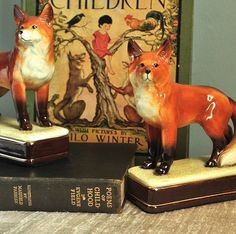 Fairytale Fox Bookends Takahashi Vintage Woodland Storytime Ceramic Collectibles For Kids Home Decor Cottage Chic Rustic Accessories English Cottage Style, English Country Decor, English Cottages, English Style, Equestrian Decor, Equestrian Style, Fox Decor, H & M Home, Fox Hunting
