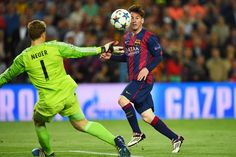 Lionel Messi and Manuel Neuer Photos Photos: FC Barcelona v FC Bayern Muenchen - UEFA Champions League Semi Final Barcelona Champions League, La Champions League, Rugby League, Fc Barcelona, Lionel Messi Barcelona, Barcelona Catalonia, Barcelona Soccer, Messi Goals, Ideas