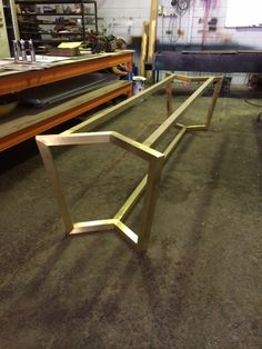 Wood Furniture Legs, Steel Furniture, Home Decor Furniture, Furniture Design, Corridor Design, Diy Living Room Decor, Wood Joinery, Table Frame, Table Legs