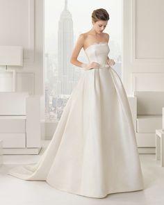 61 81221 SAMBA  (Vestido de Noiva). Estilista: Rosa Clará. ...