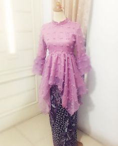 Party Dress For Women 2019 Trendy Ideas Kebaya Modern Dress, Kebaya Dress, Batik Fashion, Hijab Fashion, Fashion Outfits, Women's Fashion, Kebaya Muslim, Simple Evening Gown, Batik Mode