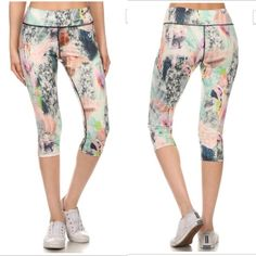 Bestselling  Capri activewear Yoga pant Vibrant color active wear legging Capri. Great for low to medium impact workout. Design with an exercise /friendly fit. Moisture wicking fabric.flat seam. Internal waistband pocket. I'm wearing size s for the cover shot.non sheer fabric . Pants Leggings